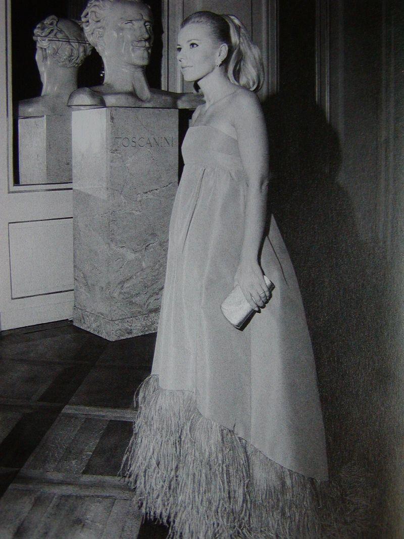 LaScala_5Dec1966_dress_Biki
