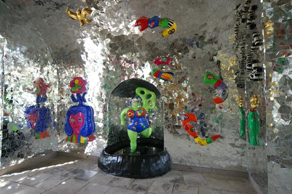 Niki-de-saint-phalle-grotto1