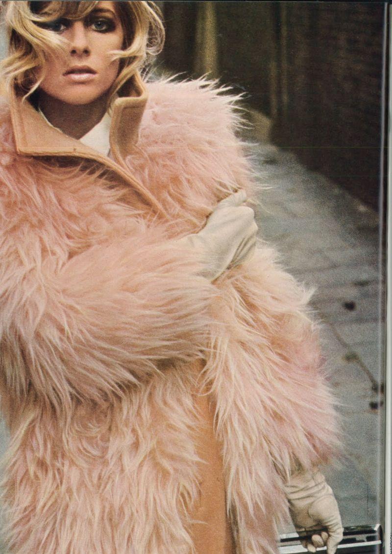 Vogue_Sept_1966_UK