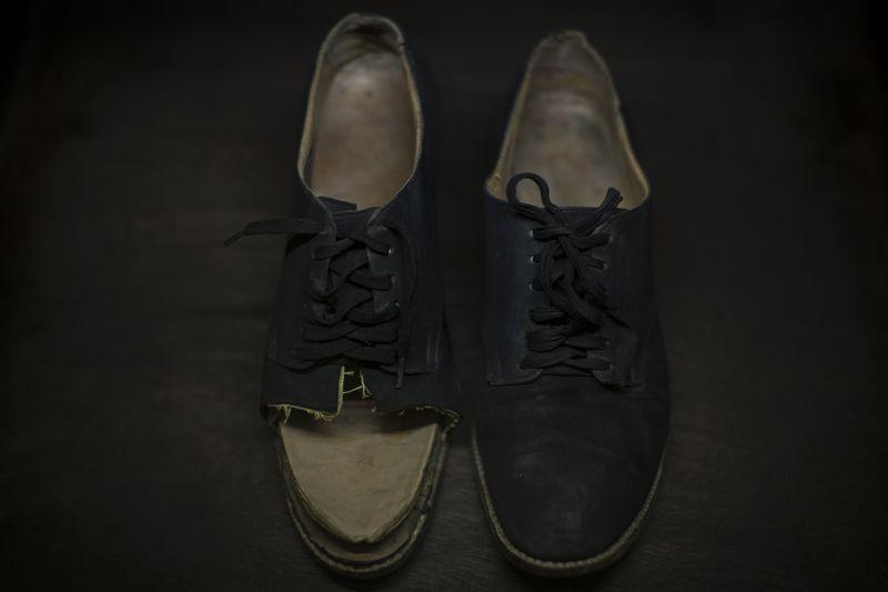 06 Zapatos- -® Miguel Tovar