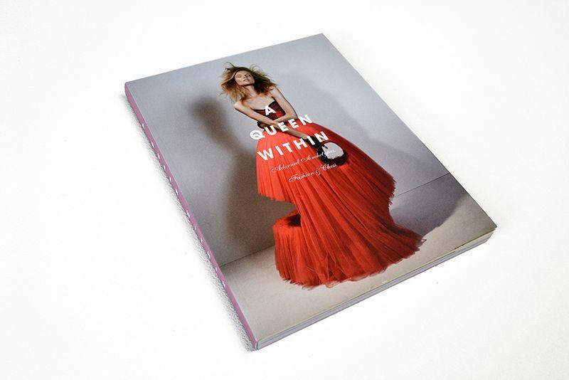30 AQW Catalogue Photo © Serge Martynov