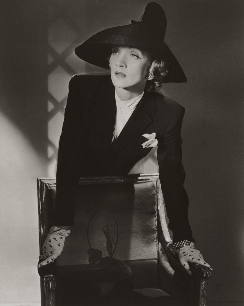 7._Marlene_Dietrich_New_York_1942__Conde_Nast_Horst_Estate
