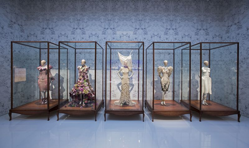 9._Installation_view_of_Romantic_Naturalism_gallery_Alexander_McQueen_Savage_Beauty_at_the_VA_c_Victoria_and_Albert_Museum_London