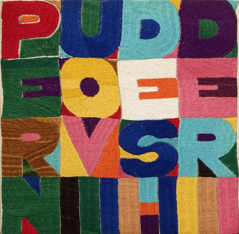 Alighiero Boetti, Per nuovi desideri, 1977, embroidery on fabric, 29.5 x 30.5 cm, Courtesy Mazzoleni London