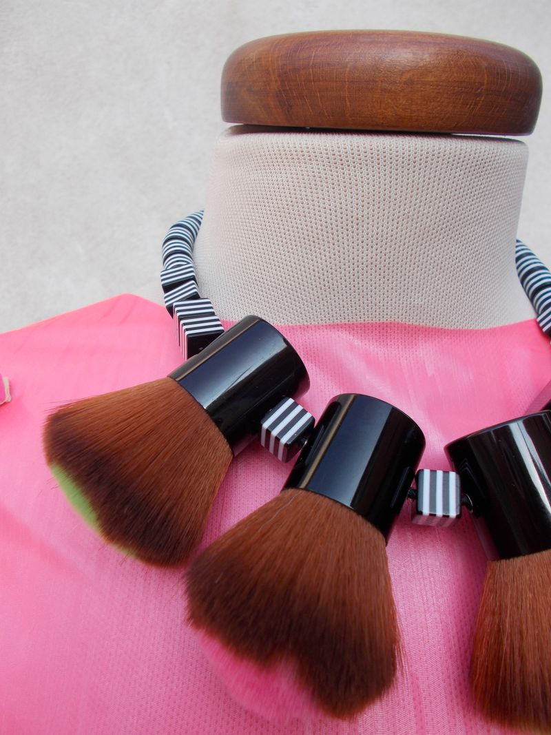 MakeupBrushes_Necklace_byAnnaBattista (40)