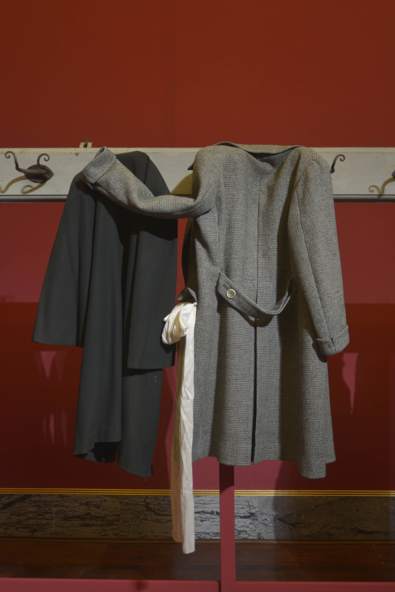 Clothes hanging  waiting  - 0025