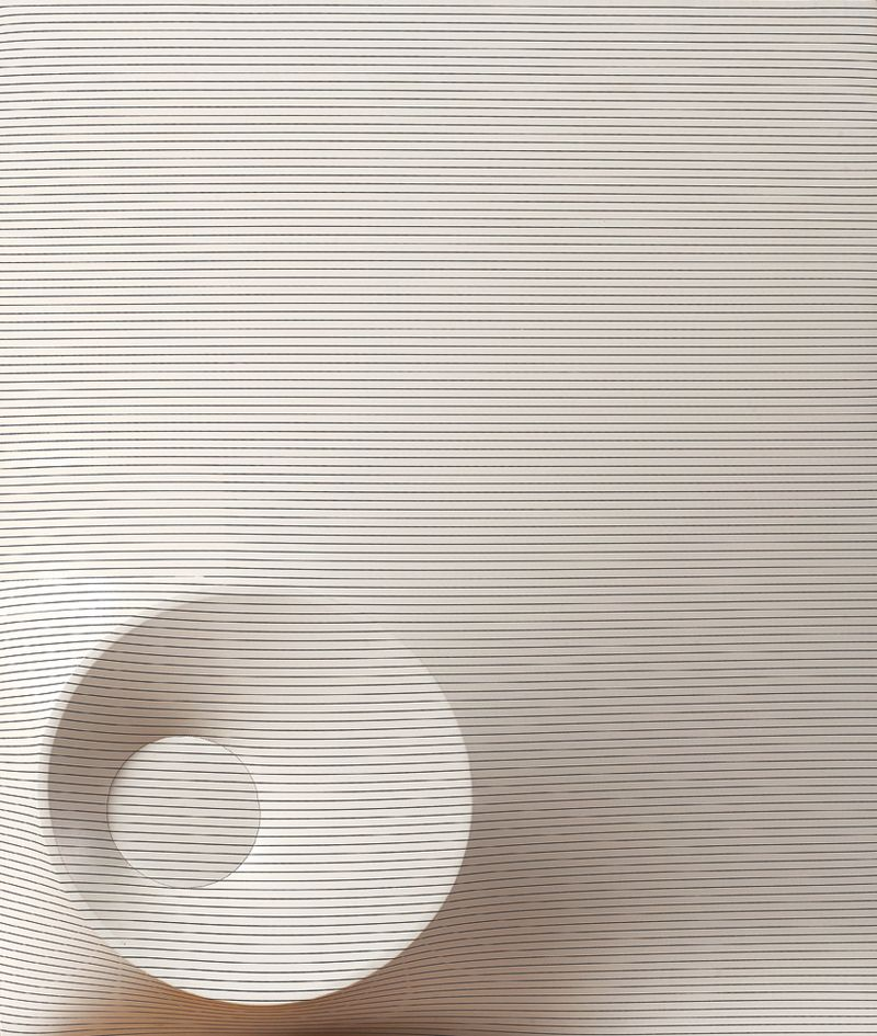 Agostino Bonalumi, Bianco e Nero, 1968, shaped Cir+®,   120x100 cm, Courtesy Archivio Bonalumi and Mazzoleni London