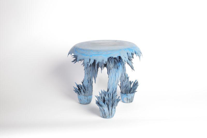 Transnatural_Gravity_stool_bluestool