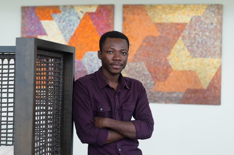 Yaw Owusu  © the artist  courtesy Gallery 1957  Accra  photo by Nii Odzenma (4)