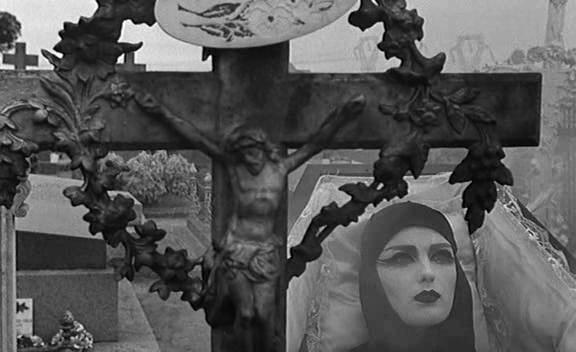 Polly-magoo-graveyard