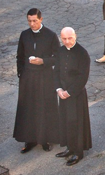 D&G_priests