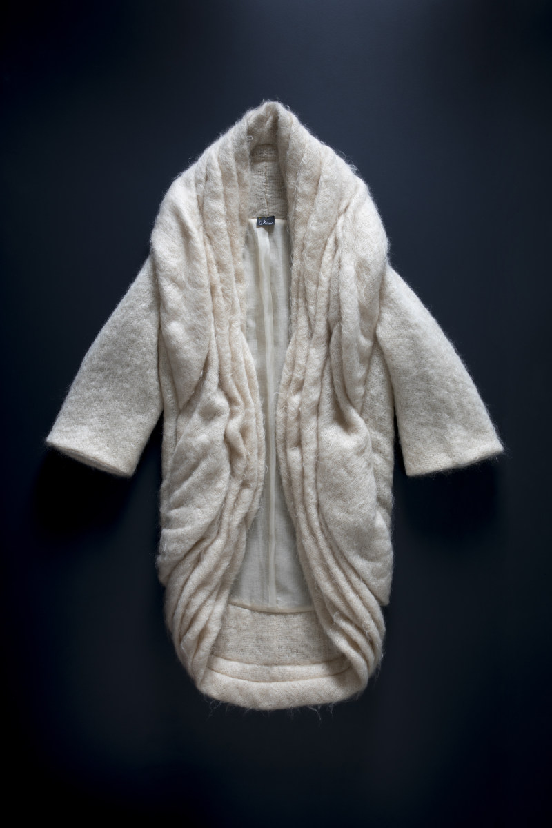 Cocoon coat with tucked edges  mohair  Autumn Winter 2001 Photo by Marinco Kojdanovski