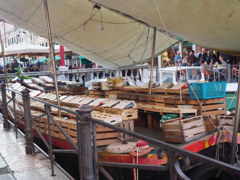 Venice_Stall_Boat_byAnnaBattista (3)