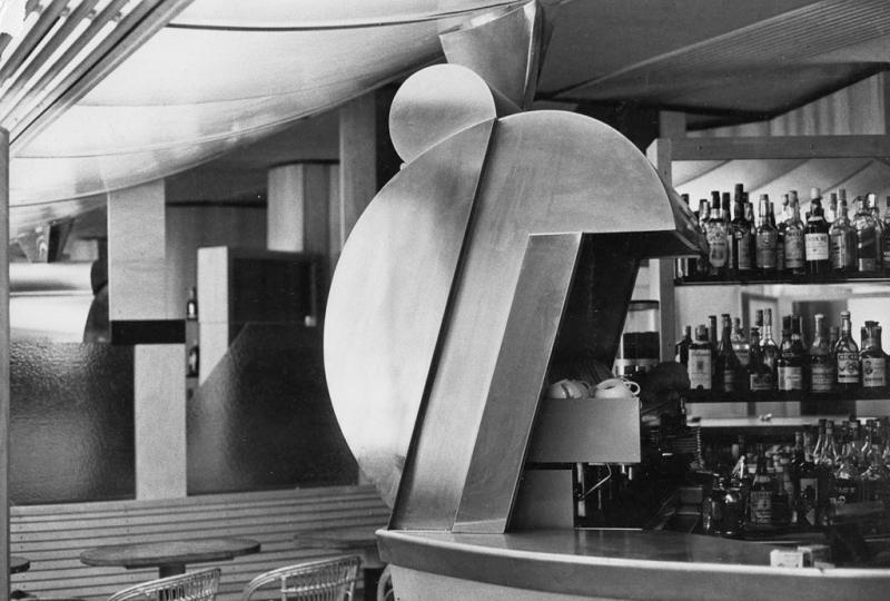 Umberto Riva  Bar Sem  Milano  1975-77. Dettaglio del volume di lamiera per la macchina del caffè. (Foto Umberto Riva)