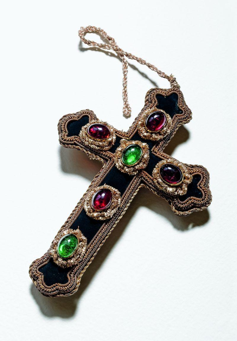 Attributed to Balenciaga_1960s_designer_Lina Baretti_Cross pendant