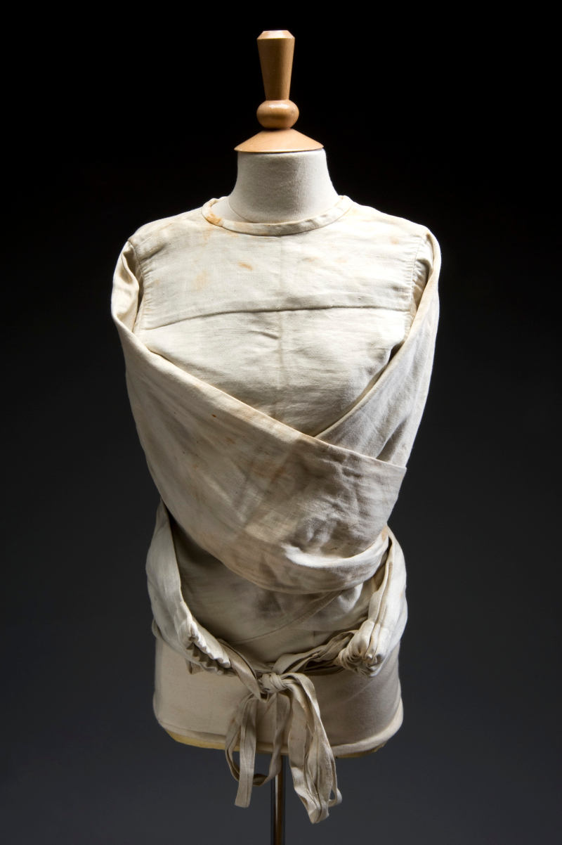 WellcomeCollection_CanvasStraitjacket_1930_a