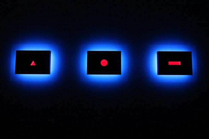 01_Exhibition view  Nanda Vigo  Palazzo Reale  Milano  2019  _Trilogia_  Light progressions  omaggio a G. Ponti L. Fontana P. Manzoni_a