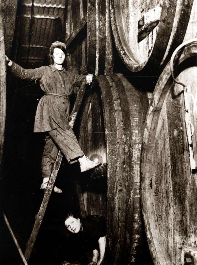 UoG_Cask Washing  1916