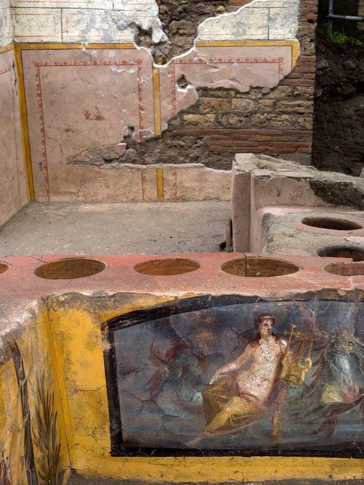 Thermopolia_Pompeii_a