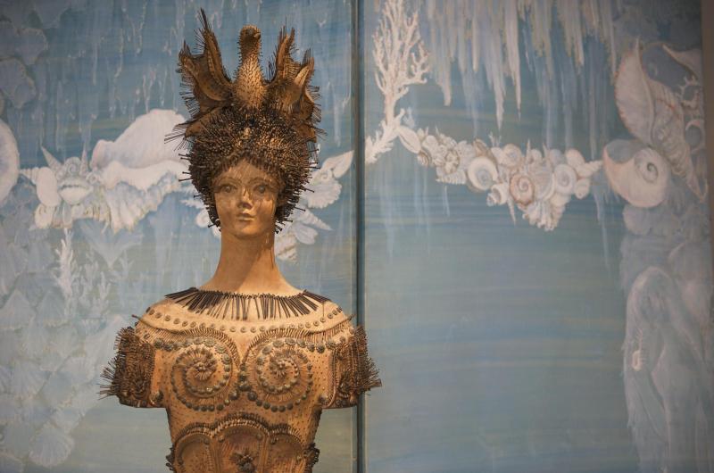 Janine_Janet_wooden_bust_Musée_des_Arts_Décoratifs_Paris