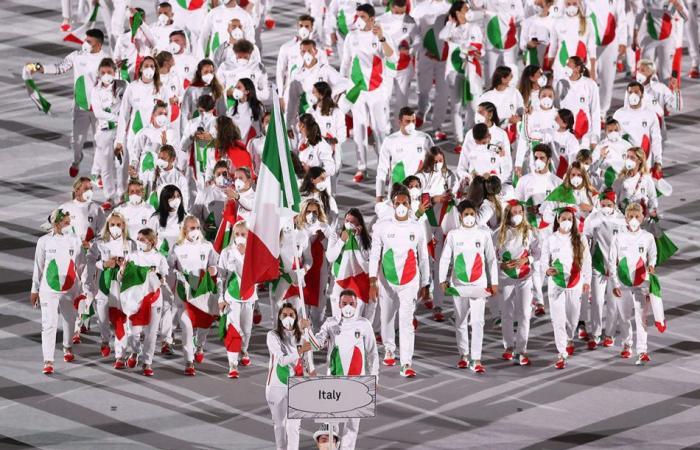 Tokyo_OlympicGames_ceremony_Italy