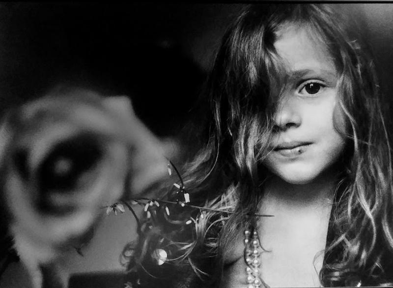 Battaglia_La bambina e la rosa  Palermo  1995