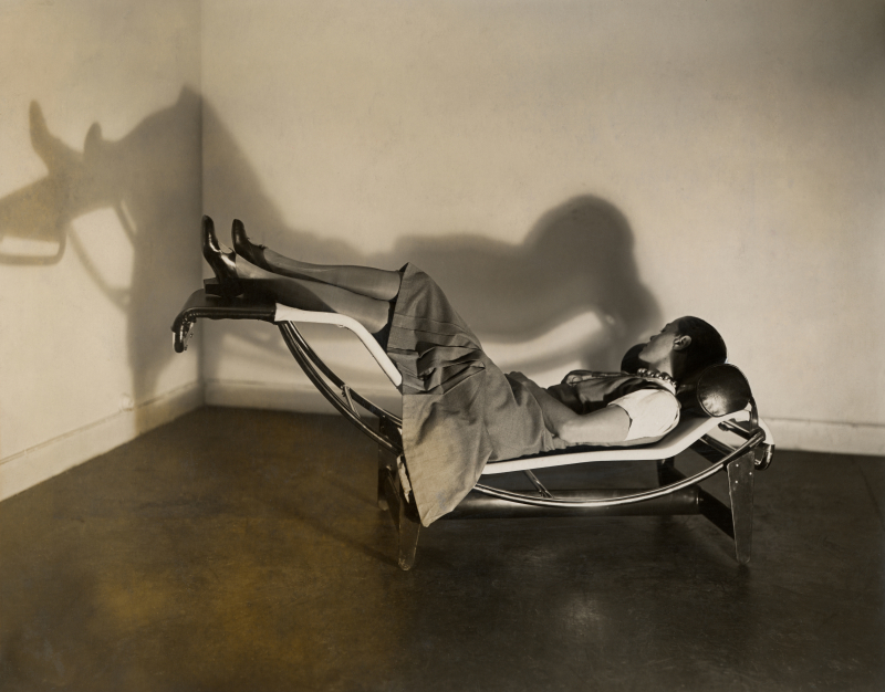 Charlotte Perriand_chaise_longue_1929_copyright-FLC-AChP-PJ-ADAGP-2019-ok