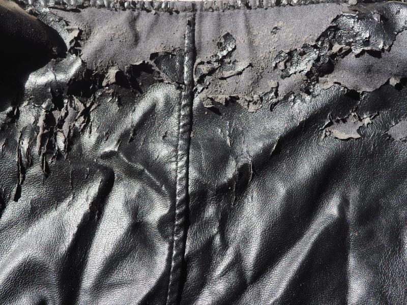 PVC_Deterioration_jacket_AnnaBattista (2)